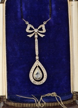 GENUINE EDWARDIAN 1.50 CT DIAMOND SOLITAIRE AND MORE EXQUISITE NECKLACE 1900 CA!
