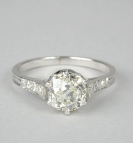 A SPECTACULAR GENUINE ART DECO 2.11 CT WEIGHTED OLD MINE DIAMOND SOLITAIRE PLATINUM!