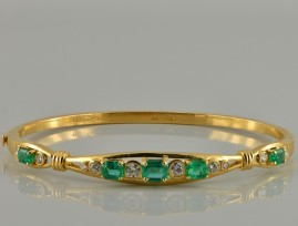 SPECTACULAR 2.80 CT NATURAL COLOMBIAN EMERALD & DIAMOND FINE VINTAGE BANGLE!
