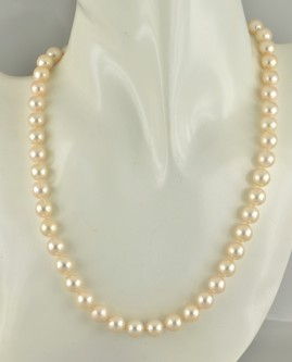 SUPERB 8.5 MM. JAPANESE SALT WATER PEARL VINTAGE NECKLACE!
