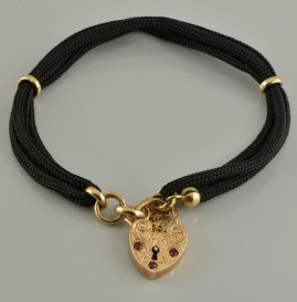 CHARMING VICTORIAN RUBY ENGRAVED PADLOCK SOLID GOLD BRACELET!