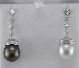 SENSATIONAL BLACK & WHITE SOUTH SEA PEARL 3.00 CT FINE DIAMONDS SWING DROP EARRINGS!