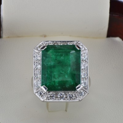 GLAMOROUS HUGE 12.77 CT NATURAL EMERALD & 1.30 CT DIAMOND ONE OFF VINTAGE RING!