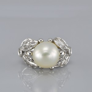 MARVELLOUS LARGE SOUTH SEA PEARL & DIAMOND VINTAGE RING OUT FROM 50'S!