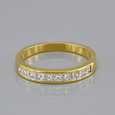 STUNNING .65 CT PRINCESS DIAMOND FLAWLESS COLOURLESS HALF ETERNITY RING!