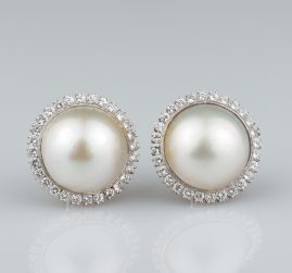 SPECTACULAR LARGE MABE PEARL & 2.60 CT OF DIAMOND VINTAGE EARRINGS FROM 60'S!