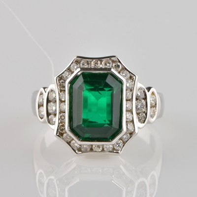 APPEALING EMERALD GREEN NATURAL PRASOLITE & DIAMOND VINTAGE RING – WOW!