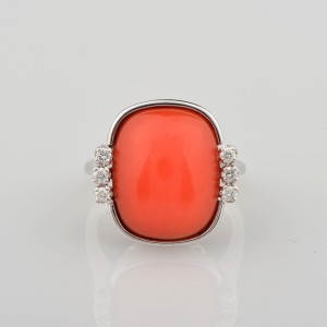 SENSATIONAL NATURAL RED CORAL & DIAMOND HIGH CLASS VINTAGE RING!