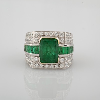 SPECTACULAR 3.0 CT NATURAL EMERALD 4.20 CT DIAMONDS VINTAGE ONE OFF RING!