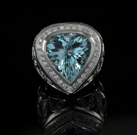 STUNNINGLY BEAUTIFUL 12.23 CT AQUAMARINE & 2.0 CARATS DIAMOND LUXURY RING!