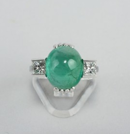 MAGNIFICENT 9.0 CT EMERALD PRINCESS DIAMOND VINTAGE TRILOGY RING!