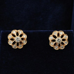 FABULOUS 1.20CT DIAMOND G/VVS DAISY EARRINGS