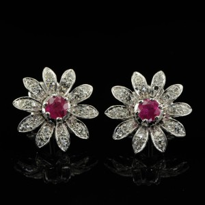 HIPPIE STYLE- RUBY & DIAMOND VINTAGE DAISY EARRINGS