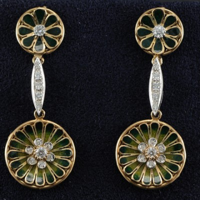 SENSATIONAL VINTAGE GREEN ENAMEL .60 CT DIAMOND FLOWER DROP EARRINGS
