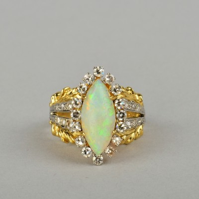 A FABULOUS 18KT ANTIQUE HARLEQUIN OPAL & DIAMOND RING EARLY 40'S!