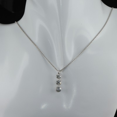 SENSATIONAL ART DECO 1.65 CT OLD CUT DIAMOND TRILOGY PLATATINUM NECKLACE