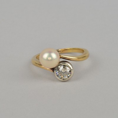 GENUINE VICTORIAN NATURAL PEARL & DIAMOND RARE TWIST RING WOW!