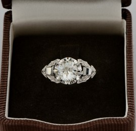 DISTINCTIVE GENUINE ART DECO 2.0 CT DIAMOND SOLITAIRE ENGAGEMENT RING!
