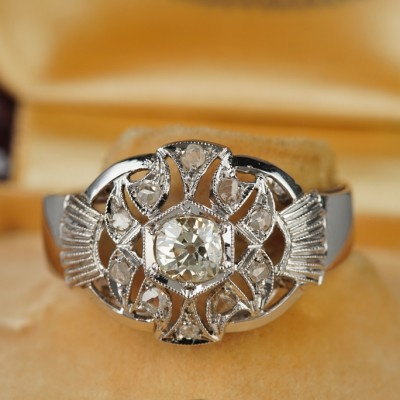GLORIOUS ART DECO .70 CT OLD DIAMOND UNIQUE 1925 RING