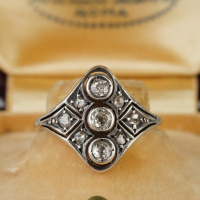 FABULOUS THREE STONE GENUINE VICTORIAN DIAMOND PANEL RING