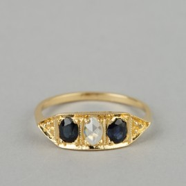 A GOOD EDWARDIAN DIAMOND & SAPPHIRE TRILOGY RING 1910 CA