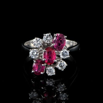 SENSATIONAL RUBY & DIAMOND SUPERIOR COCKTAIL RING OUT FROM 60'S!