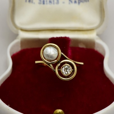 GENUINE VICTORIAN NATURAL PEARSIAN PEARL & DIAMOND TWIST TARGET RING 1880!