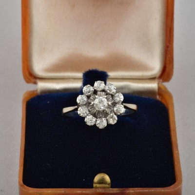 CHARMING ART DECO 1.10 CT OLD CUT DIAMOND UNIQUE DAISY RING!