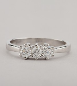 TRADITIONAL ETERNAL BEAUTY .60 CT DIAMOND F IF TOP QUALITY TRILOGY RING!
