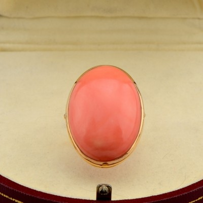 MAGNIFICENT ITALIAN ANTIQUE RARE 27.30 CT SALMON CORAL GIANT SIZE RING!