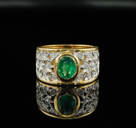 EXCLUSIVE EMERALD & DIAMOND TULLE RING