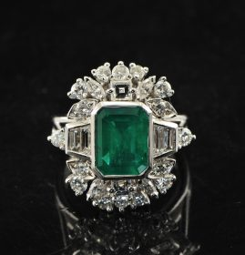 MAJESTIC COLUMBIAN EMERALD DIAMOND VTG COCKTAIL RING