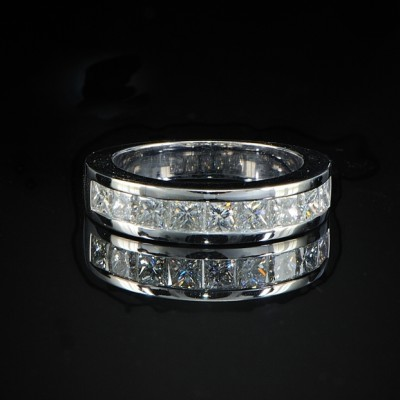 EXTRAORDINARY 1.81CT PURE IF-F PRINCESS DIAMOND HALF ETERNITY RING