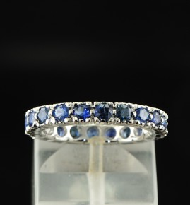 18KT SUPERB SAPPHIRE ETERNITY RING