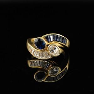 VINTAGE YOU & ME ROYAL BLUE NATURAL SAPPHIRE & QUALITY DIAMOND FABULOUS RING!
