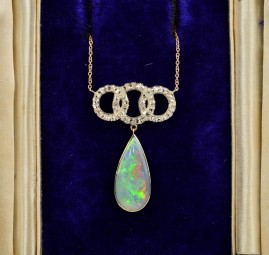 DELIGHTFUL SOLID BLACK OPAL & ROSE CUT DIAMONDS ART DECO NECKLACE!