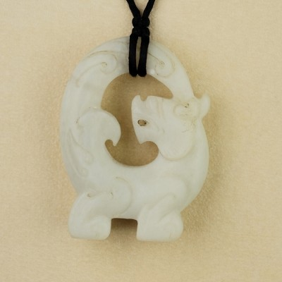 AN ANTIQUE CHINESE PRE 1940 OR OLDER WHITE JADE CHILONG NECKLACE!