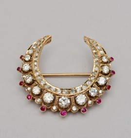 A MAGNIFICENT 4.30 CT DIAMOND & RUBY VICTORIAN CRESCENT MOON BROOCH 1890 CA!