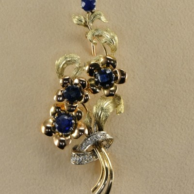 SUPERB LARGE and ANTIQUE BUNCH OF FLOWER SAPPHIRE and DIAMOND BROOCH