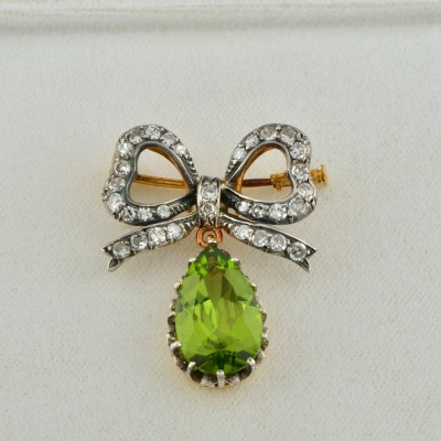SPECTACULAR GENUINE VICTORIAN 8.0 CT PERIDOT 1.40 CT DIAMOND BROOCH PENDANT!