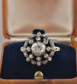 A RARE GEORGIAN 2.0 CT ROSE CUT DIAMOND DAISY RING - GENUINE 1780 CA!