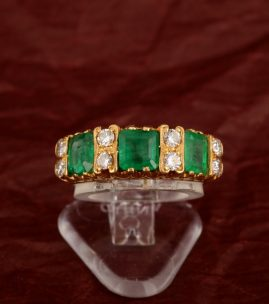BEAUTIFUL ART DECO 2.0 CT COLOMBIAN EMERALD .60 CT DIAMOND TRILOGY RING