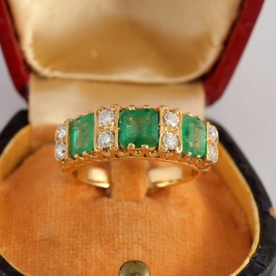 BEAUTIFUL ART DECO 2.0 CT COLOMBIAN EMERALD .60 CT DIAMOND TRILOGY RING!