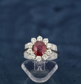 RED PIGEON BLOOD RUBY & DIAMOND VINTAGE RING WOW!
