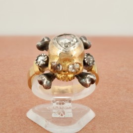 SPECTACULAR VICTORIAL OLD DIAMOND MEMENTO MORI SKULL RING!