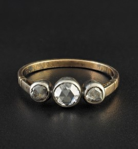 EARLY VICTORIAN .80 CT DIAMOND THREE STONE RARE RING 1830 CA!