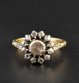 RARE GEORGIAN 1790 DISTINCTIVE DIAMOND DAISY RING WOW!