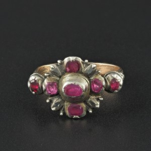 A RARE MID 1700 GEORGIAN NATURAL RUBY AND DIAMOND STUNNING RING!