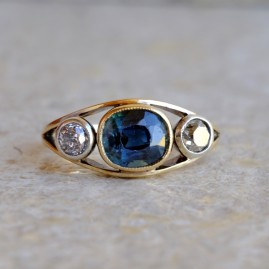 FASCINATING VICTORIAN 2.50 CT CEYLON NO HEAT SAPPHIRE OLD DIAMOND TRILOGY RING!