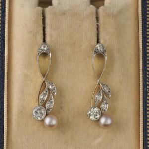 CHARMING EDWARDIAN 1.20 CT DIAMOND & NAT. PEARL CHERRIES PLATINUM EARDROPS!
